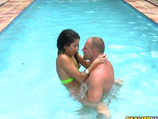 Смотреть секс под водой