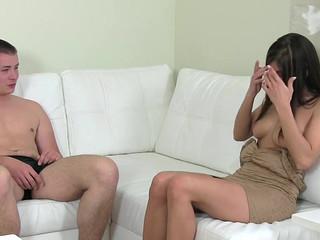 Лобок начальницы залили спермой