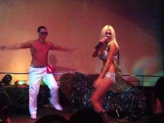 Катя Самбука на сцене